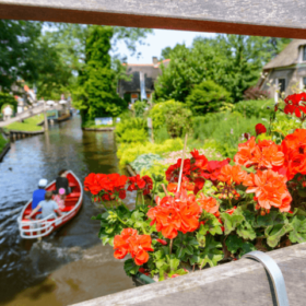 Giethoorn A Village With No Roads